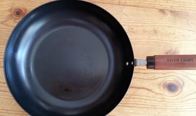 3ヶ月使用した極フライパンの調理面
