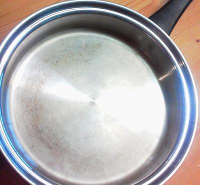 3年使用したマンハッタンフライパンの調理面